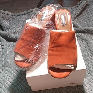 Like new with box Halogen heeled mules
